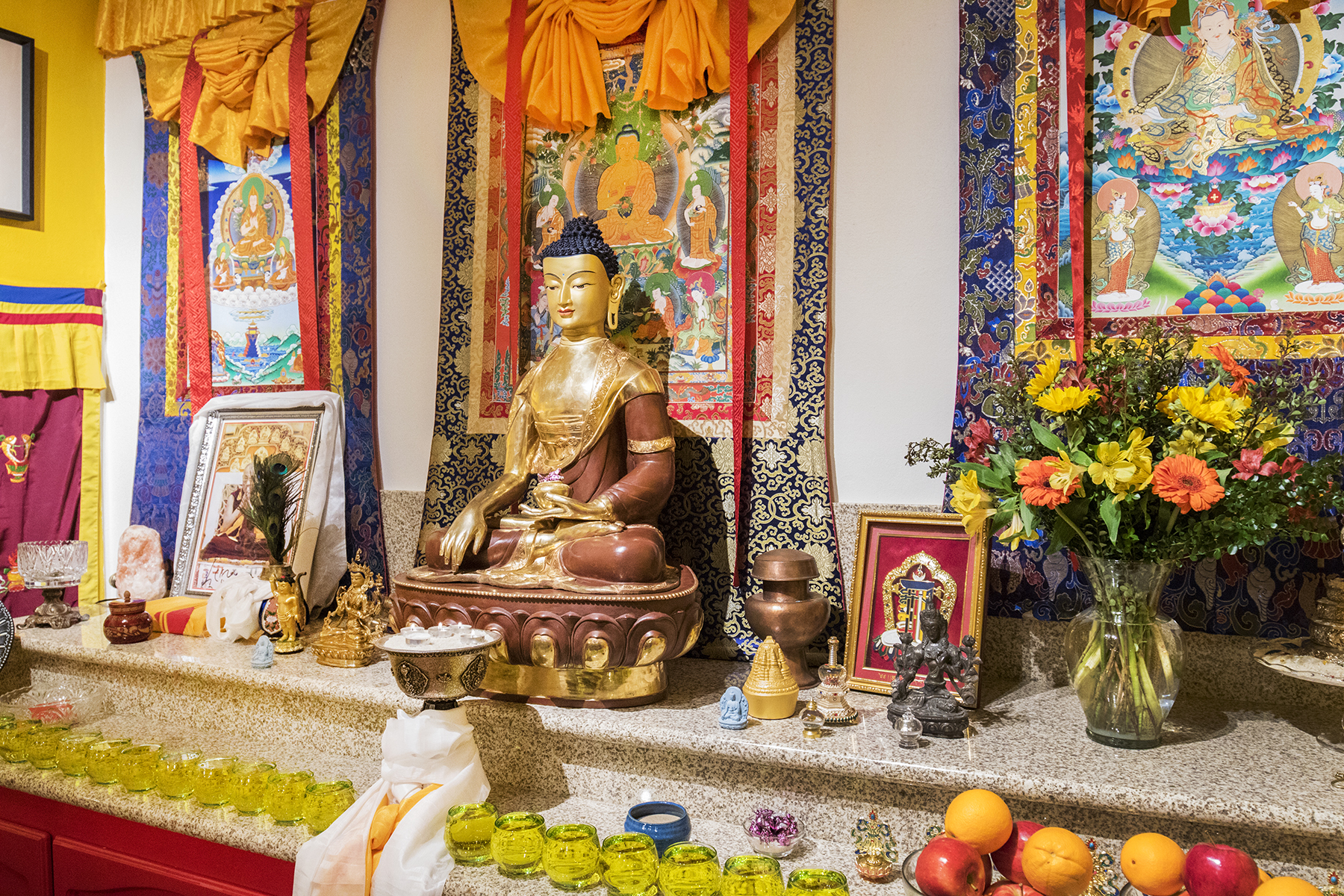 The altar at Do Nga Dargey temple, sacramento, california